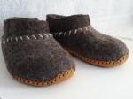 Dark sheep wool slippers, deerskin soles, wool yarn